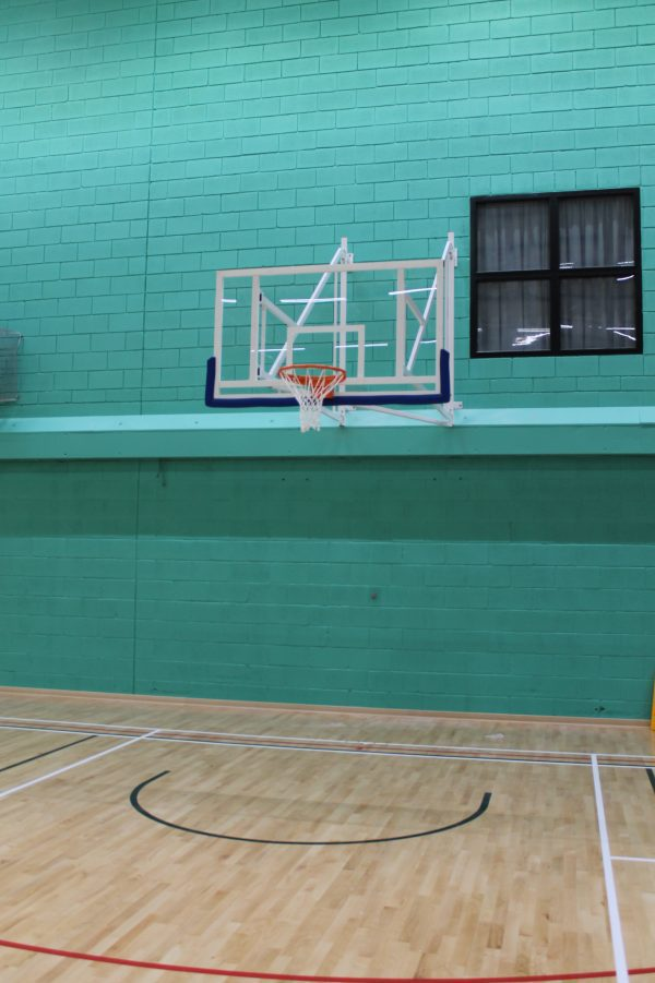 Wall mounted matchplay basketball goal